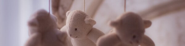 Въртележка от играчки подаръци за кръщене