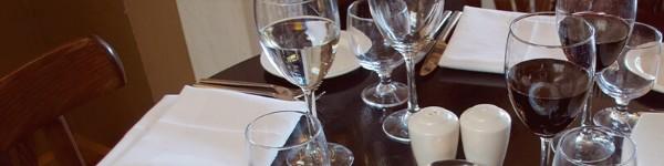 Стъкло – чаши или сет за сервиране хубава идея кръщене на възрастна жена